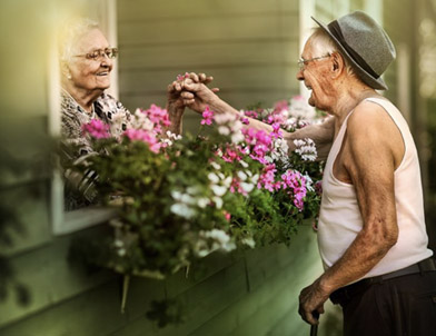 elderly romantic photos